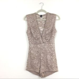 Cream Windsor Lace Wrap Romper Size Medium